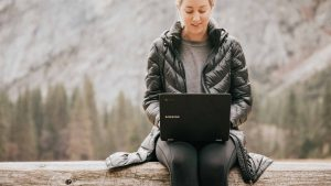 What are freelancers and digital nomads?