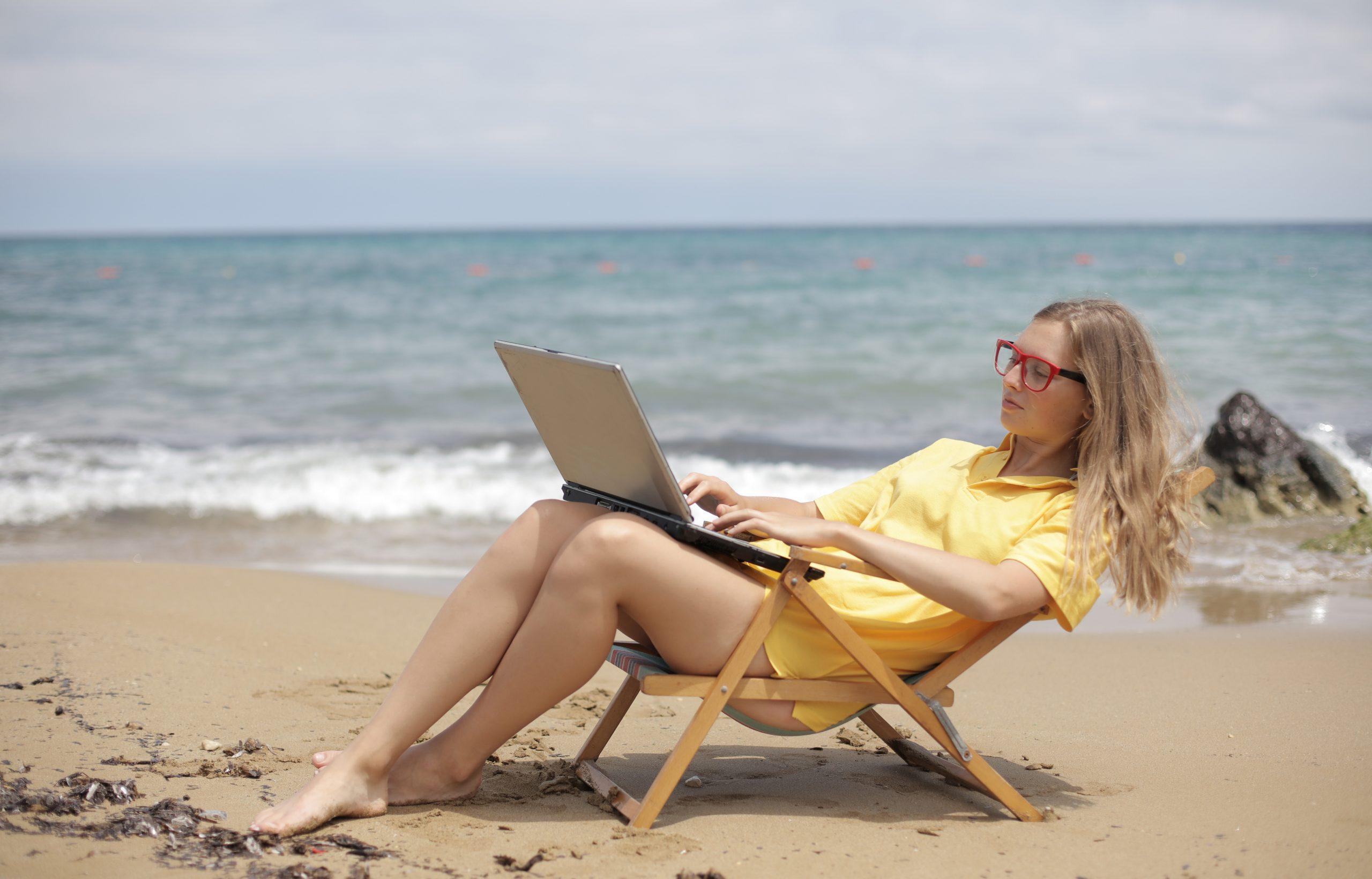 Copywriter career path digital nomad